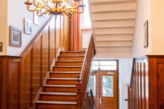 treppenaufgang-innen-1